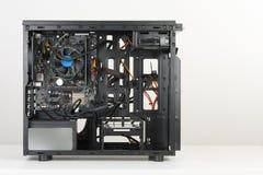 Costruzione del PC, scheda madre di ATX inserita al computer nero Midi Fotografia Stock Libera da Diritti