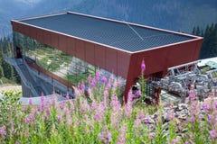 Costruzione del ropeway a Tatras basso, Slovacchia Fotografie Stock Libere da Diritti