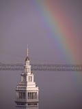 Costruzione del traghetto & del Rainbow Immagini Stock