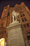 Costruzione dell'ufficio postale della statua del Benjamin Franklin vecchia Fotografia Stock Libera da Diritti