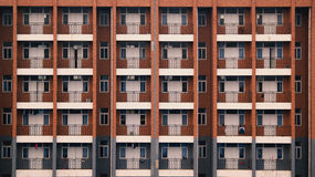 Costruzione della finestra del balcone del dormitorio della scuola Immagini Stock Libere da Diritti