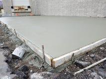 Costruzione della lastra del cemento, contrarrsi, costruente immagine stock libera da diritti