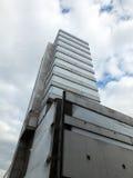 Costruzione della torre del highrise abbandonata calcestruzzo abbandonato Fotografia Stock