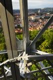 Costruzione della torre dell'allerta di Petrin a Praga, repubblica Ceca Immagine Stock Libera da Diritti