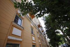 Costruzione della via nella città di Ul'janovsk, Russia fotografia stock