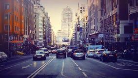 Costruzione delle automobili di Barcellona Spagna della via fotografie stock libere da diritti
