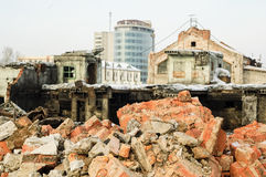 Costruzione demolita della fabbrica in Tjumen' Immagini Stock