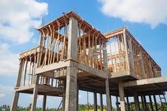 Costruzione di alloggio in un sobborgo Immagine Stock