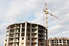 Costruzione di appartamento ad un cantiere Immagini Stock Libere da Diritti