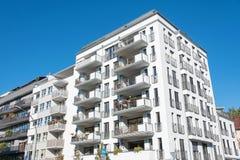Costruzione di appartamento moderna a Berlino Immagini Stock
