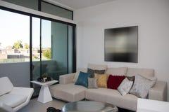Costruzione di appartamento moderna della casa a schiera Immagini Stock