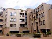 Costruzione di appartamento moderna, urbana. Immagine Stock