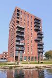 Costruzione di appartamento moderna vicino al canale, Tilburg, Paesi Bassi Immagine Stock