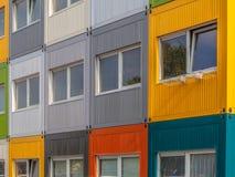 Costruzione di appartamento variopinta Immagini Stock