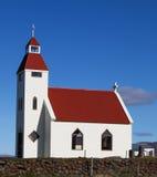 Costruzione di chiesa in altopiano dell'Islanda fotografia stock libera da diritti