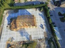 Costruzione di edifici commerciale della casa di legno aerea immagini stock libere da diritti