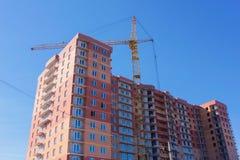 Costruzione, costruzione di edificio residenziale multipiano Fotografia Stock Libera da Diritti