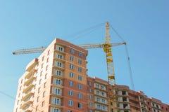 Costruzione, costruzione di edificio residenziale multipiano Immagini Stock
