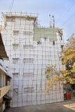Costruzione di legno dei pittori dell'impalcatura dell'India Immagine Stock