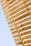 Costruzione di legno del tetto COSTRUZIONE IN PROGRESSO Constructi della Camera fotografia stock libera da diritti