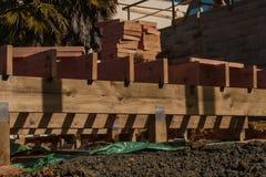 Costruzione di legno delle case private immagini stock