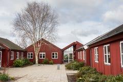Costruzione di legno rossa classica nel Jutland Danimarca Fotografia Stock