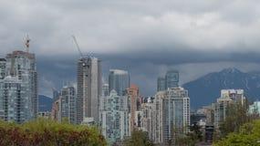 Costruzione di lusso Vancouver dei grattacieli di crescita urbana Immagine Stock