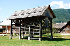 Costruzione di memoria slovena del fieno & di legno Immagini Stock Libere da Diritti