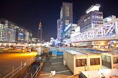 Costruzione di notte della città di Tokyo Fotografia Stock