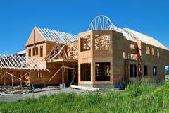 Costruzione di nuova casa di legno Fotografie Stock Libere da Diritti