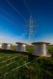 Costruzione di nuova linea elettrica Immagini Stock Libere da Diritti