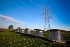 Costruzione di nuova linea elettrica Immagine Stock