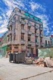 Costruzione di sbriciolatura su vecchia Avana Fotografie Stock Libere da Diritti