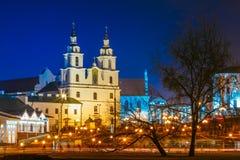 Costruzione di scena di notte della cattedrale di santo Fotografia Stock Libera da Diritti