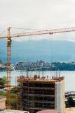 Costruzione di un edificio a più piani in Budua, Montenegro Buil Fotografie Stock Libere da Diritti