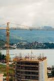 Costruzione di un edificio a più piani in Budua, Montenegro Buil Immagine Stock Libera da Diritti