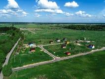 Costruzione di un villaggio nella regione di Leningrado, Russia, foto del cottage dall'altezza Fotografia Stock Libera da Diritti