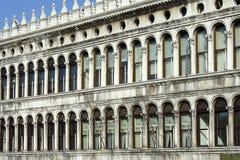 Costruzione di vecchio Procuratie a Venezia Fotografia Stock