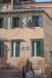 Costruzione di vecchio stile a Venezia fotografie stock libere da diritti