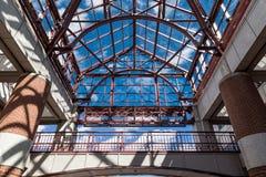 Costruzione di vetro che montra architettura moderna Fotografia Stock Libera da Diritti