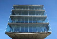 Costruzione di vetro moderna Cube-shaped Fotografia Stock