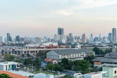 Costruzione di vista della città alta immagini stock