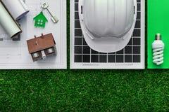 Costruzione e energie alternative verdi Fotografia Stock Libera da Diritti