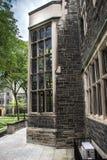 Costruzione e giardino storici dell'università di Toronto Fotografie Stock Libere da Diritti