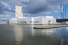Costruzione e monumento commerciali alle scoperte a Lisbona fotografia stock