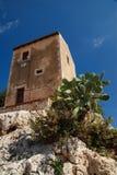 Costruzione e PricklyPear, Siracusa, Sicilia, Italia immagini stock