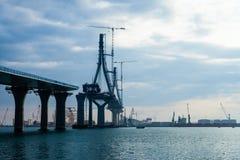 Costruzione il ponte dell'en Cadice di costituzione Fotografia Stock Libera da Diritti
