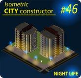 Costruzione isometrica moderna nella luce notturna Fotografia Stock