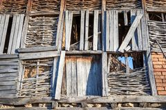 Costruzione medievale della parete della casa, Bulgaria, Balcani immagini stock
