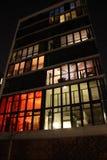 Costruzione moderna alla notte Fotografia Stock